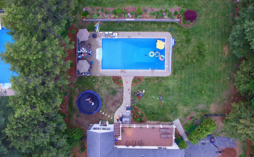 5 Best Ways to Implement a Backyard Pool