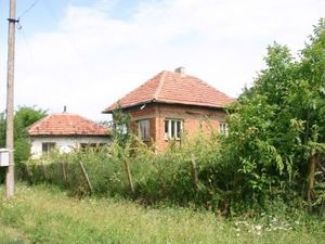 An old rural house situated in a nice & quiet village 40 km