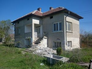 An old rural house situated in a big village 30 km away from the town of Vratza
