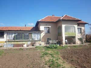 Old rural house with summer kitchen,plot of land & nice view