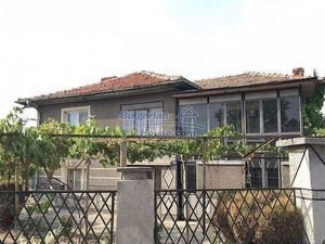 Cheap Bulgarian house 30km away from Plovdiv