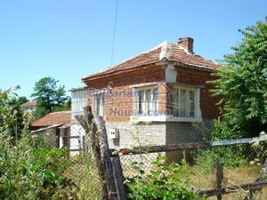 Cheap Bulgarian House for sale 50 min driving to the sea