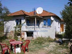 House for sale in good condition 15 km from Elhovo , Yambol