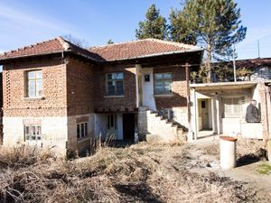 Rural house near Ruse city and Lom river