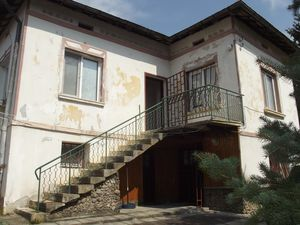 Furnished country house with nice garden 100 km from Sofia