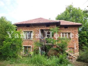 House for sale in the peaceful village of Strahilovo