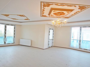 2+1 apartment for URGENT sale in Istanbul