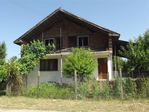 Rural house with nice views situated near river and forest
