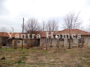 Cosy house for sale in the village of Klimentovo