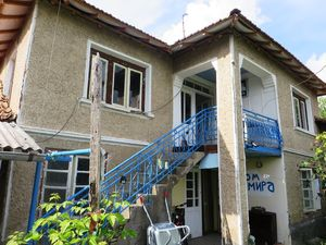 3 bedroom Bulgarian house with large garden 2500 m2 and big