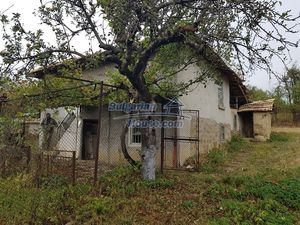 Cheap Bulgarian property near Yastrebino lake Targovishte