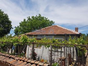 Furnsihed house with big garden 50 km from Plovdiv