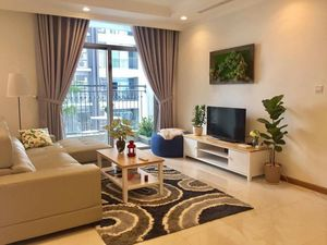 Leasing apartment Vinhomes so cheap, 4 brs, full furniture