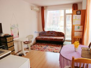 Lovely spacious studio apartment with a balcony in Sunny Day