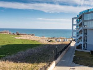 Lovely studio apartment, 44 sq.m., with fantastic sea views