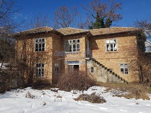 Cheap property for sale in Bulgaria near dam lake Popovo
