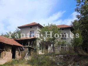 Cheap three bedroom village home in the peaceful Krushevo