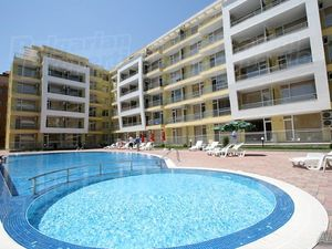 Studio with large terrace and good location in Sunny Beach