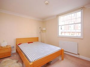 Presenting one bedroom flat in Bristol