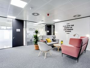 Coworking Creative Desk Space and studios available