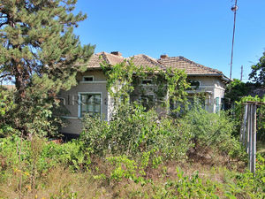 Cheap house with 6000 sq m plot