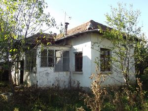 Rural house with barn & land 15 km away from Vratsa,Bulgaria