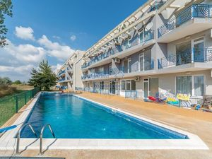 Big furnished studio apartment 700m from the beach Sunny Day