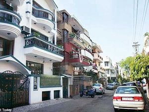 1bhk flat for rent in chattarpur please call me