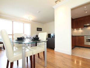 Luxurious two bedroom, two bathroom Apartment with great wat