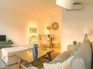 Luxurious apartment in Calle Mayor 58 with parking,