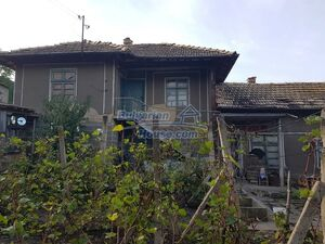 Extremely cheap Bulgarian house with nice views near Popovo
