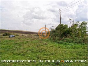 Very large plot of building land in beautiful clean area