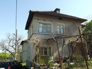Bulgarian house with garden 6000 sq.m 20 km from spa and ski