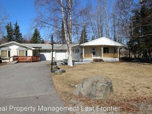 Beautiful 2 beds 1 bath house for rent in Eagle River