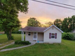 Beautiful 2 beds 1 bath house for rent in Berea