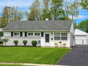 Beautiful 3 beds 1 bath house for rent in Grove City