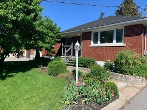 Beautiful 2 beds 1 bath house for rent in Ottawa