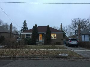 Crisp 3 beds 2 baths house for rent in Boyce Ave