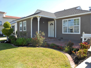 Beautiful 3 beds 1 bath house for rent in Gardena