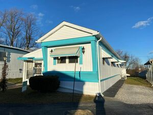 Beautiful 1 bed 1 bath house for sale in Orefield