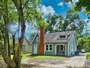 Beautiful 3 beds 1 baths house for rent in Rosenberg