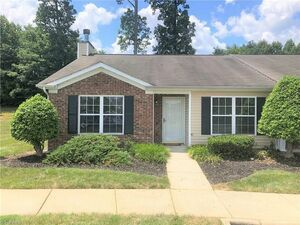 Beautiful 3 beds 2 baths townhouse for rent in High Point