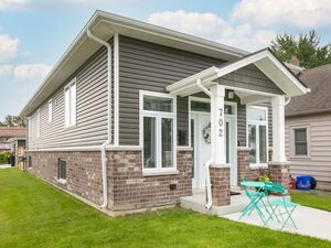 Beautiful 2 bed 1.5 bath house for rent in Tecumseh