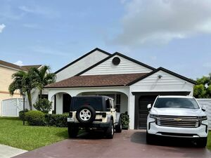 Lovely 3 Bedroom 2 Bath home for rent in Miami