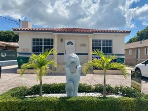 Awesome 4 beds 2 baths home for rent in Miami