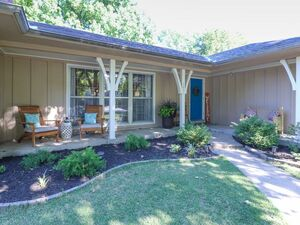 Beautiful 3 beds 2 baths house for rent in Overland Park