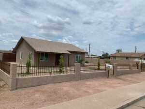 Beautiful 3 beds 2 baths house for rent in Phoenix