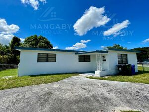 Amazing 3 beds 2 baths house for rent in Fort Lauderdale
