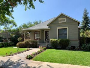 Beautiful 3 beds 1 baths house for rent in Fullerton