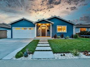 Beautiful 3 beds 2 baths house for rent in Culver City